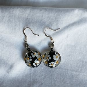 Hand Blown Glass Earrings w/Hand painted Daisies